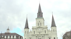 The Saint Louis Cathedral in downtown New Orleans tilt Arkistovideo