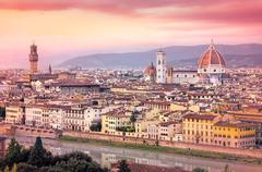 Kaunis näköala Firenzen auringonlaskun haaveileva suodatetaan tyyliin Kuvituskuvat