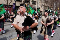 Säkkipilli corps pelaa taas marssivat st. Patrickin paraati Kuvituskuvat