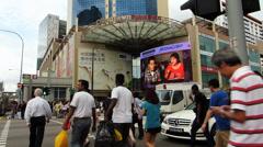 Singapore Chinatown intersection traffic commuters zebra cross Stock Footage