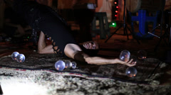 Illusionist Kristian Jyoti : levitation, yoga, crystal ball contact juggling Stock Footage