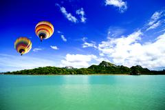 Hot air balloon on the sea samui thailand Stock Photos