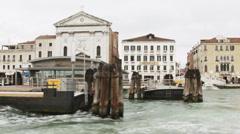 0314 Venice, Riva degli Schiavoni, rainy day Stock Footage