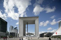 la grand arch, la defence - stock photo