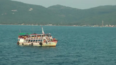 Thailand Ko Samui Island 091 passenger boat drifts in front of the coast Stock Footage