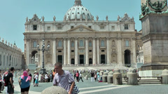Tourists in front of San Peter Basilic, Rome Stock Footage