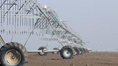 Center pivot sprinkler system agriculture industry Stock Footage