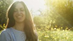 Pretty Woman Smiling Sun Shine Flare Bubbles ruoho niitty UHD 4K Arkistovideo