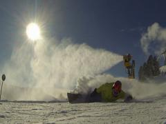 Extremecarving under Snowmaking. Sun, snow. Stock Footage