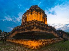 Wat chedi luang at sunset Stock Photos