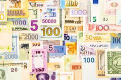 Seteli raha käteisellä ja currency paperissa Kuvituskuvat