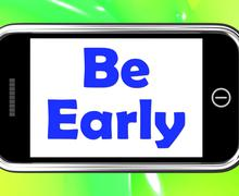 be early on phone shows arrive on time - stock illustration