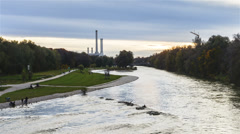 TL DN Isar river in the city center of Munich Stock Footage