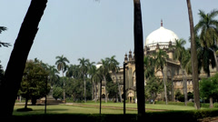 India Maharashtra District Mumbai 018 Museum with dome roof and the Park Stock Footage