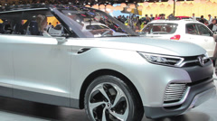 Ssangyong and photographer Stock Footage