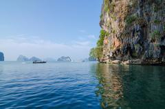 Turisti vene james bond saari Thaimaassa Kuvituskuvat