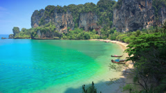 4k wide shot time lapse of perfect idyllic tropical beach in south-east Asia Stock Footage