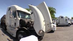 Big rig semi trucks, interstate 5, Mechanical problem Stock Footage