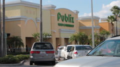 Parking Lot View of Publix Grocery Store in Florida Stock Footage
