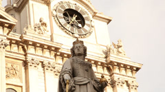 Statue of Queen Victoria, St Paul's Cathedral Stock Footage