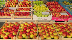 Apples fruit for sale at grote markt, market square, mechelen, belgium Stock Footage