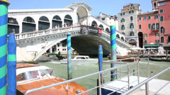 View of the rialto bridge in venice, italy Stock Footage
