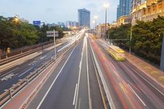 Liikennettä keskustassa Guangzhou, Kiina. Kuvituskuvat