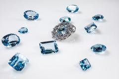 Riipus timantteja Kuvituskuvat
