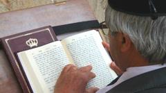 Rabbi prays Stock Footage