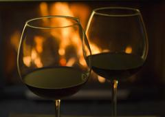 Red Wine by the Fire Kuvituskuvat