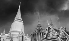 """Famous Bangkok Temple - """"Wat Pho"""" with Dramatic Sky Stock Photos"""