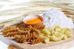 Pasta, kananmuna, jauhot, terveellistä ruokaa Kuvituskuvat