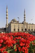 Turkey, Istanbul, Tulip bed in front of Yeni Camii Stock Photos