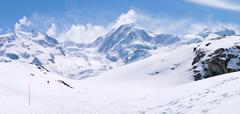 Snow Mountain Range Landscape Kuvituskuvat