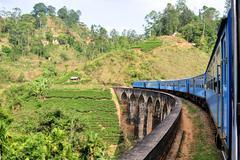 Junan sillan hill maassa Sri Lankan Kuvituskuvat