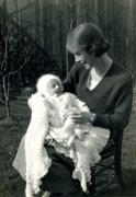 1934 Woman and baby Stock Photos