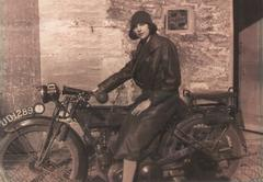 1929 Woman Motorbike Stock Photos