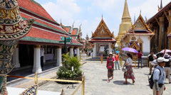 Visitors in Grand Palace in Bangkok, Thailand. Stock Footage