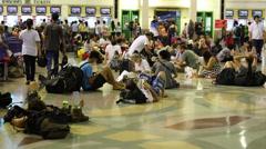 Thais and tourists at Hua Lamphong Railway Station. Bangkok, Thailand Stock Footage