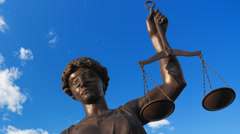 Justice statue Stock Footage