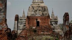 18-105mm full range zoom shot at the ruins of Ayutthaya Stock Footage