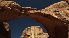 WS LA Arch rock formations in Arches National Park / Utah, USA Stock Footage