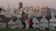 USA, California, San Francisco, Alamo Square Park, Woman with daughter (4-5) and - stock footage
