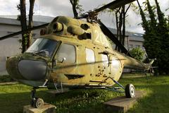 Vintage military helicopter Kuvituskuvat