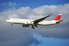 Airliner arrival. large commercial airliner Stock Photos
