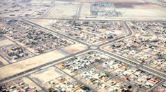 Näkymä kaupungin Abu Dhabi lentokoneen Arkistovideo