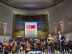 MOSKOVA, VENÄJÄ - 15 marraskuu: Venäläinen National Orchestra suorittaa Kuvituskuvat