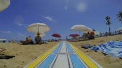 14 seconds on waikiki beach - tourist perspective Stock Footage