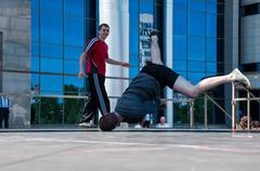 Dancer-guy amateur break-dance Stock Photos