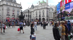 Wide shot of Piccadilly Circus Stock Footage